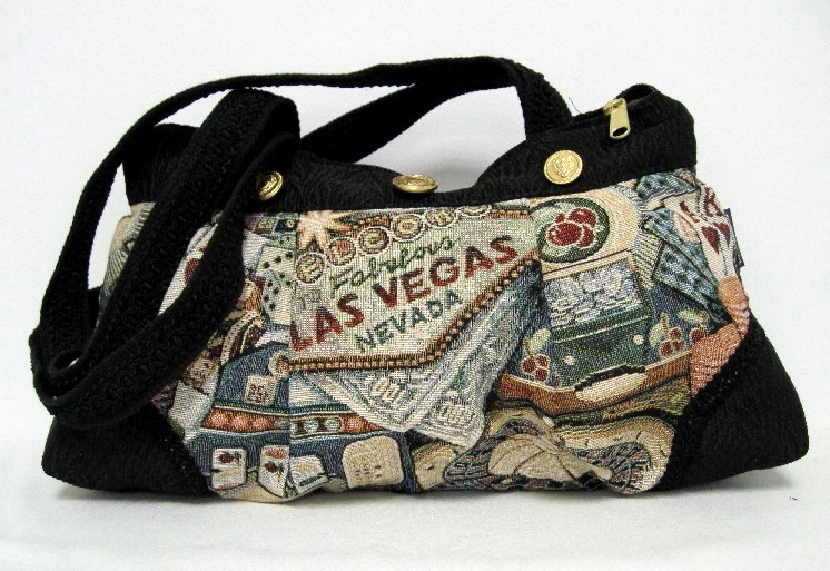 Las Vegas Medium Pleated Handbag w/Corners